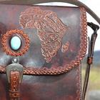 CUIR ÉMOTIF - Mathilde, créatrice d'accessoires en cuir